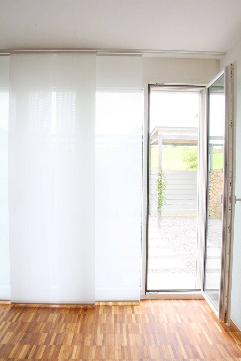 fl chenvorhang halbtransparent weiss 60cm 80cm 120cm breit. Black Bedroom Furniture Sets. Home Design Ideas
