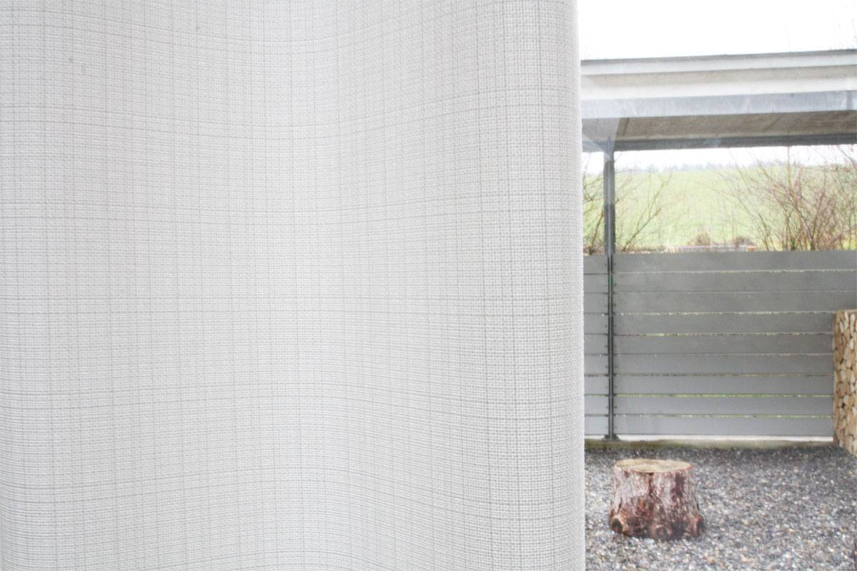 nachtvorhang blickdicht lichtdurchl ssig weiss matt und grobgewoben. Black Bedroom Furniture Sets. Home Design Ideas