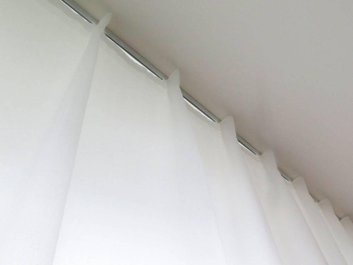 onlineshop schweiz nachtvorhang blickdicht und stark lichtdurchl ssig in ecru weiss mit. Black Bedroom Furniture Sets. Home Design Ideas