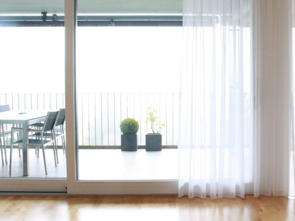 vorh nge gardinen online bestellen. Black Bedroom Furniture Sets. Home Design Ideas