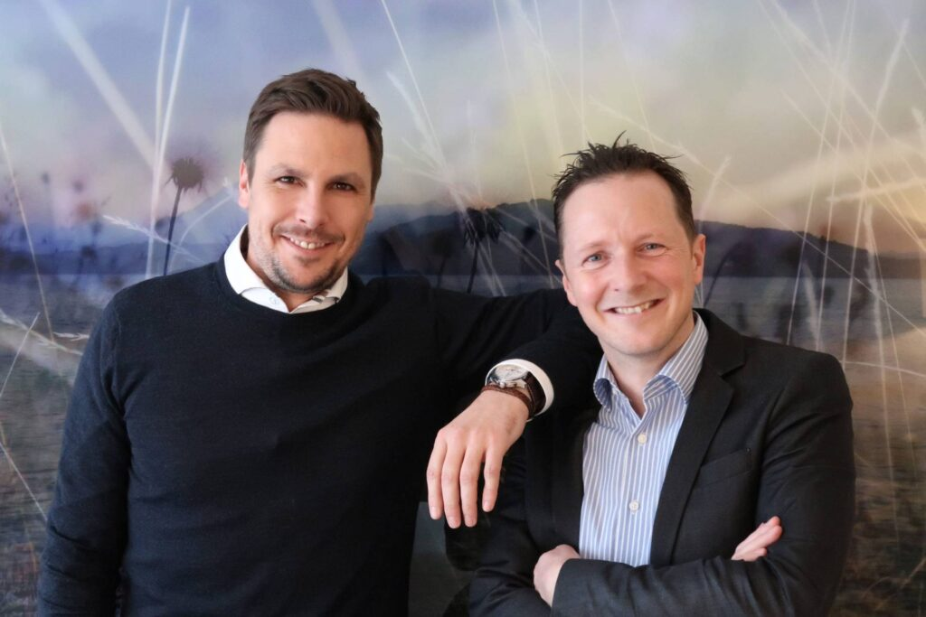 Gründer weisservorhang.ch. Links: Simon Stöckli. Rechts: Stefan Erzinger.