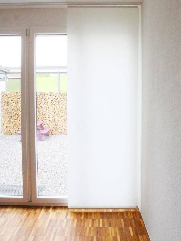 schiebevorhang weiss blickdicht im wohnzimmer